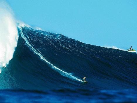 Im Rausch der Wellen: Surfen vor Hawaii, dpa