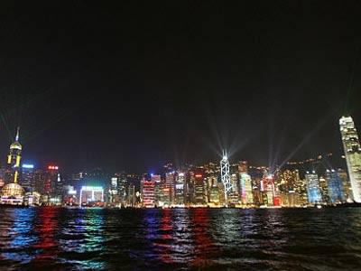 Victoria Harbour bei Nacht, Reuters
