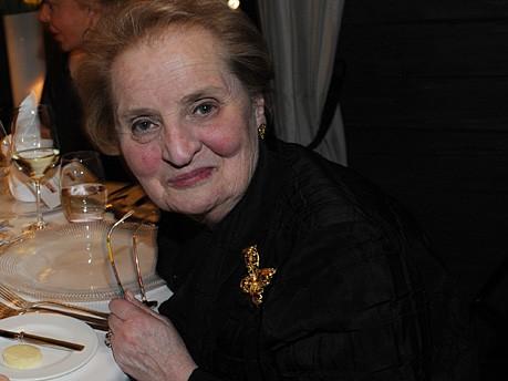Madeleine Albright  Seybolt Käfer Sicherheitskonferenz Foto: Stephan Rumpf