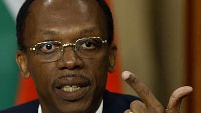 Erdbeben in der Karibik: Jean-Bertrand Aristide beschuldigt am 7. Juni 2004 die USA und Frankreich, ihn ins Exil gezwungen zu haben.