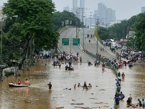 indonesien jakarta überschwemmungen