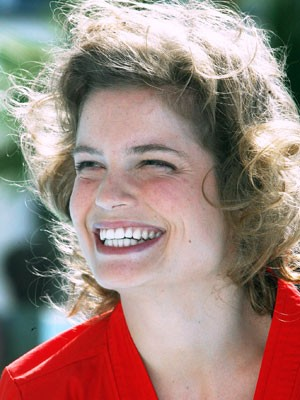 Sarah Biasini, AP