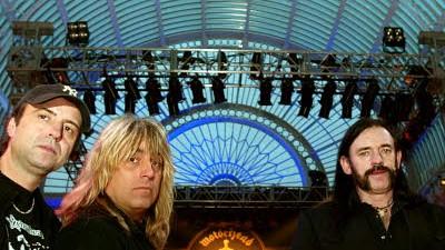 """Lemmy Kilmister im Gespräch: """"Be loud, drink beer but don't forget Motörhead."""" Die Rocker sind bekannt für ihre Konzert-Ansagen."""