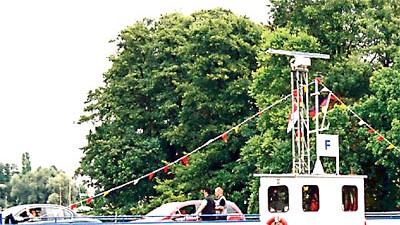 Deutsche Flussfähren: Fährmann, hol über: Die Tussy II schippert zwischen Geltow und Caputh über die Havel.