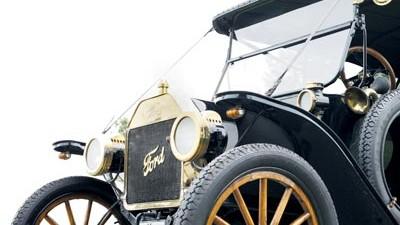100 Jahre Ford T-Modell: Best-Seller: Das T-Modell wurde exakt 15.456.868 Mal gebaut. Es hatte einen 2,9-Liter-Vierzylindermotor, leistete 20 PS und machte mehr als 70 km/h.