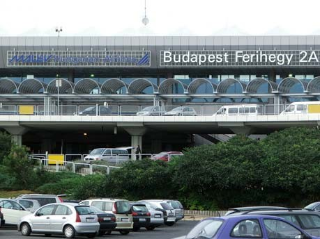 Übernachten auf dem Flughafen: Budapest-Ferihegy, József Süveg/GNU