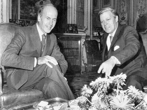 Valéry Giscard d'Estaing (links) und der deutsche Bundeskanzler Helmut Schmidt