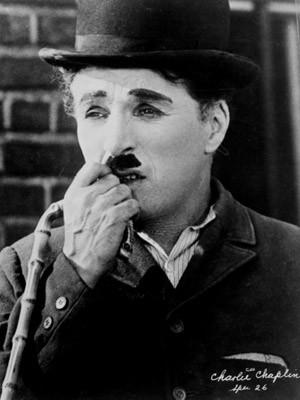Accessoires der Stars, Charlie Chaplin, Hut, Stock, Melone; dpa