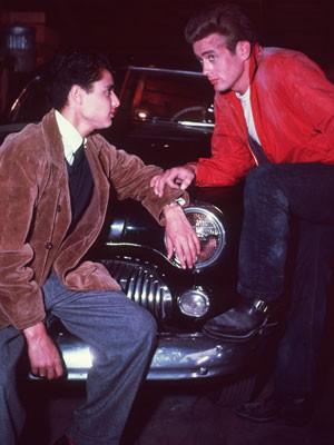 Accessoires der Stars, James Dean, Rebel without a cause, Denn sie wissen nicht, was sie tun, Blouson; Hulton Archive/Getty Images