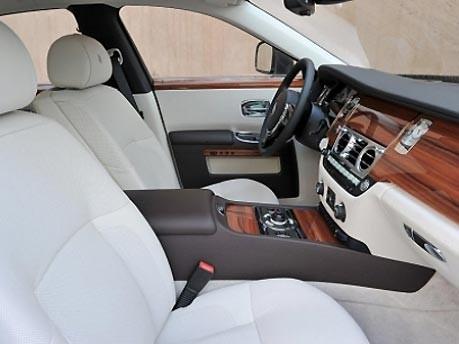 Rolls-Royce Ghost; Pressinform