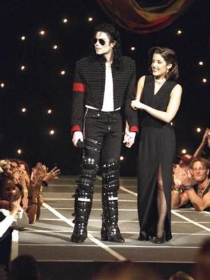 Die Popwelt trauert; Jacko, King of Pop, Prominente zum Tod von Michael Jackson, Lisa Marie Presley; AP