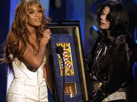 Die Popwelt trauert; Jacko, King of Pop, Prominente zum Tod von Michael Jackson, Beyoncé; AP