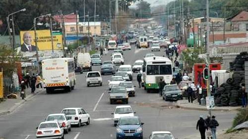 Weltspiegel (23): Automarkt Südafrika: Straßenszene in Südafrika: 2008 wurden 330.000 Neuwagen verkauft.
