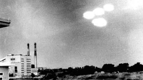 Holzauge, sei hyperwachsam!: Ufo-Ängste anno 1952