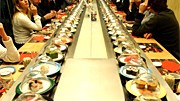Fast Food Fastfood Geiz Schweinebraten pasta running sushi chinesen vietnamesen schuhbeck verbraucher konsum sparen vapiano zeitmangel zeit billig erlebnis gasthaus wirtshaus sterben aussterben dreck dick krank gesundheit salat frische pasta pizza