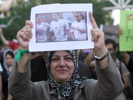 Iran, Demonstranten, Mussawi, Tehran, Nationalmannschaft, Armbänder, Südkorea, iranischer fan