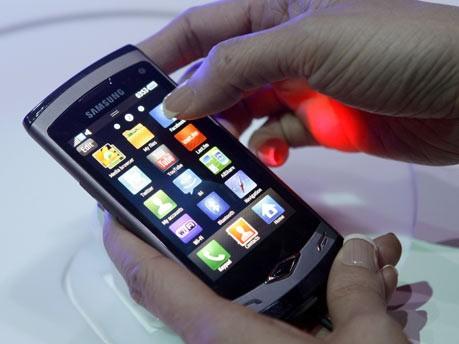 Smartphone;Reuters