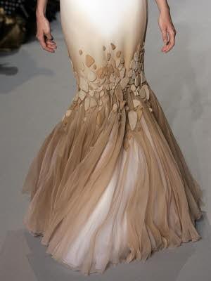 Schleierhafte Mode, Haute Couture Paris, Stephane Rolland; AP