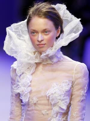 Schleierhafte Mode, Haute Couture Paris, Christophe Josse; AP