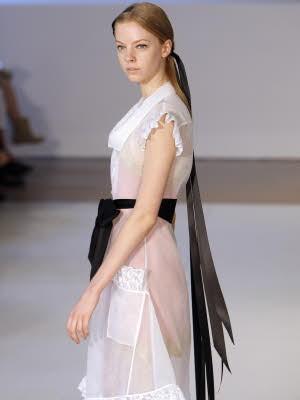 Schleierhafte Mode, Haute Couture Paris, Alexis Mabille; AFP