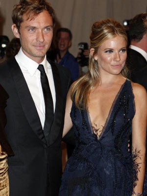 Jude Law; Sienna Miller