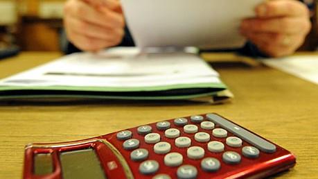 Kommunen Haushaltsdefizit Schulden Gebwerbesteuer dpa