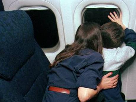 User geben Airlines Spartipps, iStock