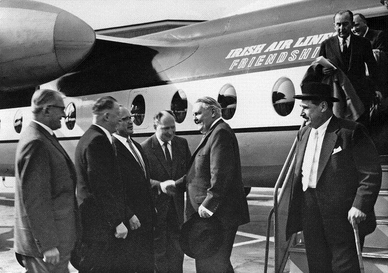 Bundeswirtschaftsminister Ludwig Erhard  auf der Deutschen Luftfahrtschau, 1959