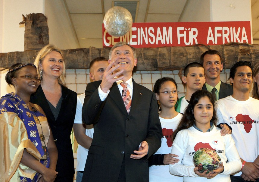 Bundespräsident Köhler startet Afrika-WM-Kampagne