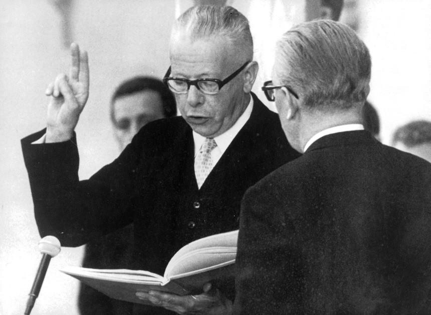 Gustav Heinemann während seiner Vereidigung zum Bundespräsidenten, Bonn 1969