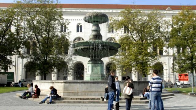 Studenten vor der LMU, 2007