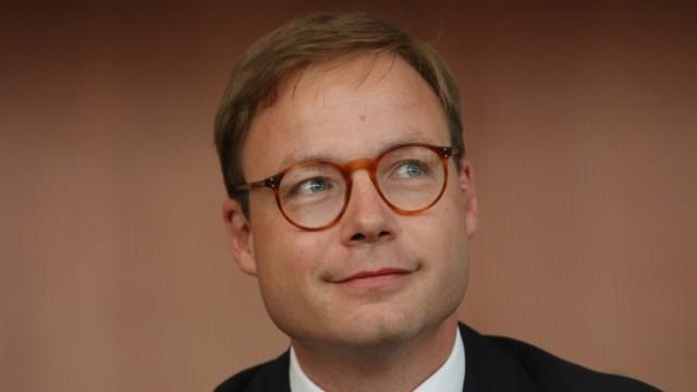 Bundestag Hearings On HypoReal Estate