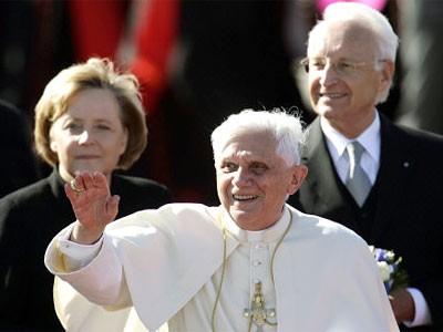 Papst mit Kanzlerin Merkel und Ministerpräsident Stoiber
