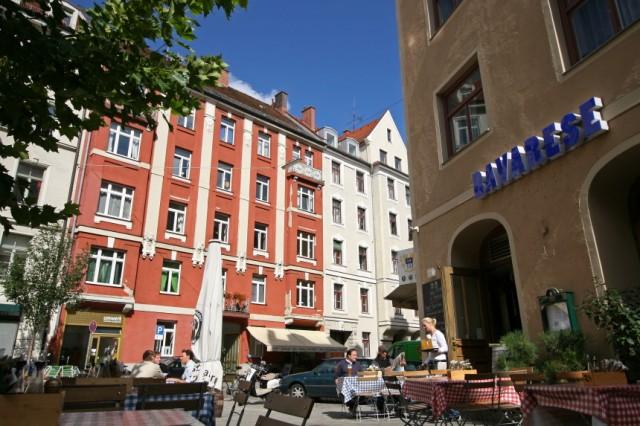 Terrasse eins Restaurants im Dreimühlenviertel, 2007