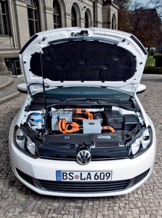 Themendienst Auto & Verkehr: VW Golf blue-e-motion