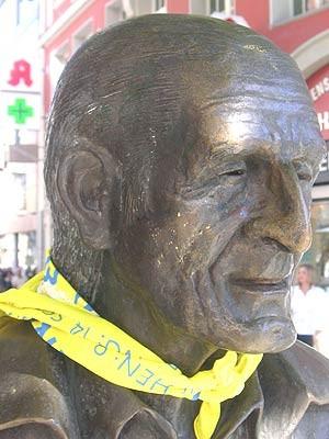 Sisi-Sommer-Statue