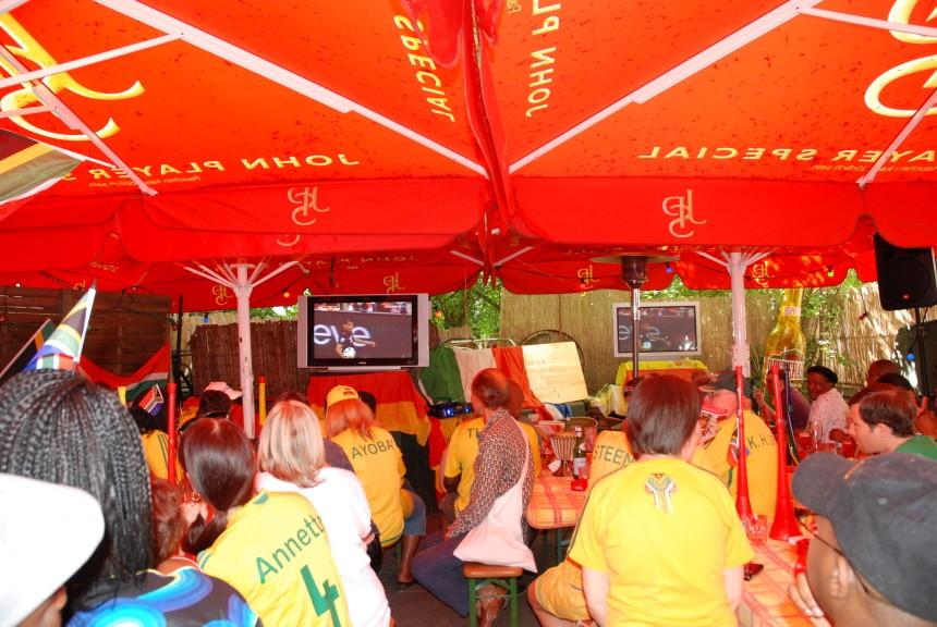 WM 2010 Eröffnungsspiel (Südafrika - Mexiko), Leopoldstraße, München