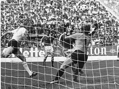 Horst Hrubesch Deutschland Österreich 1982