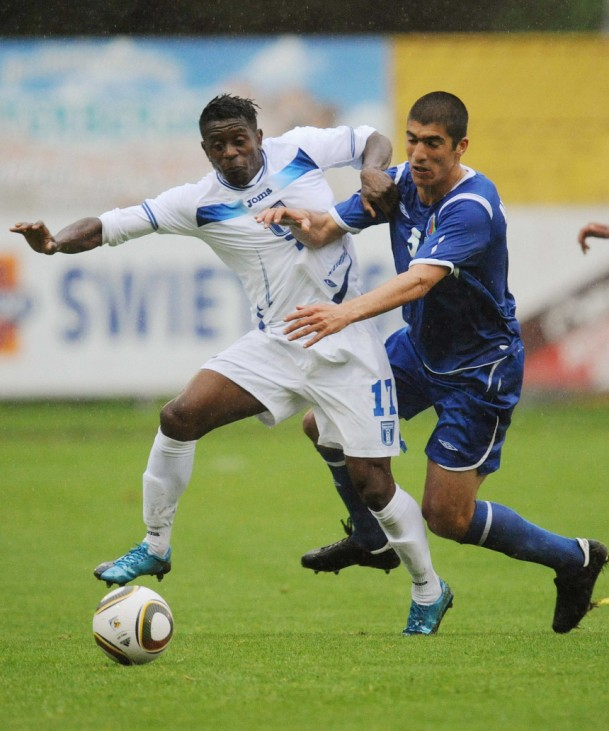 Honduras' Alvarez fights for the ball with Azerbaijan's Allahverdiyev during a friendly soccer match in Zell am See