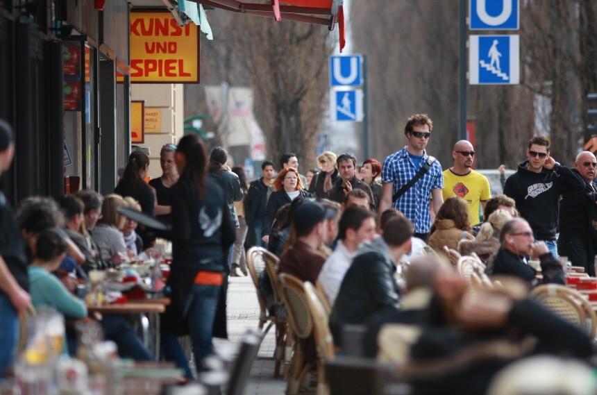 Straßencafe in Schwabing, 2010