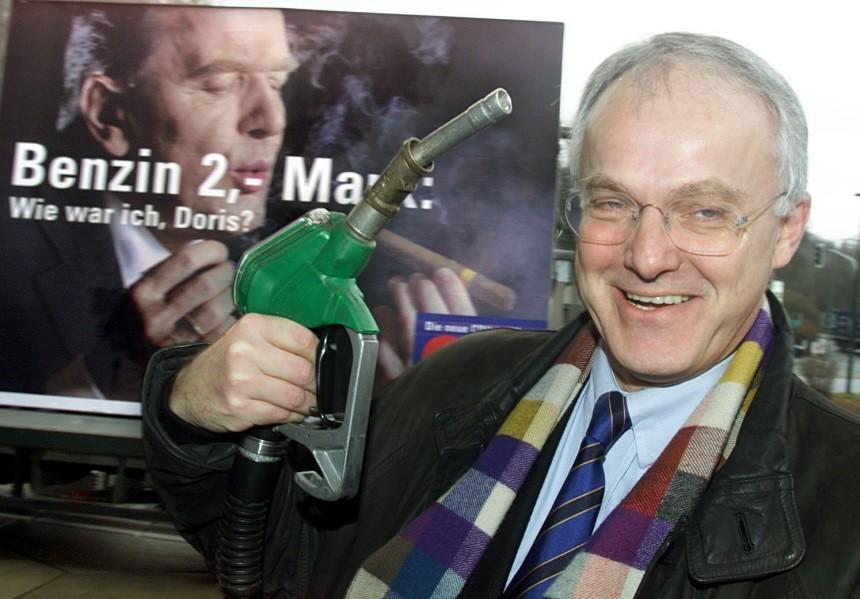 RÜTTGERS BEI CDU-PLAKATAKTION GEGEN ÖKOSTEUER