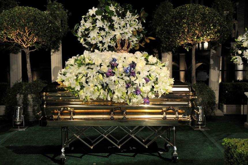 Michael Jackson wird beigesetzt