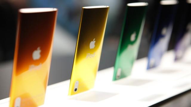 MP3-Player sterben aus: iPods und andere MP3-Player können zwar inzwischen Videos abspielen und aufnehmen - die Smartphone-Welle sorgt jedoch für stetig sinkende Verkaufszahlen.