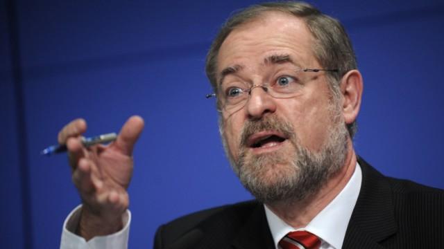 DIW-Chef fordert Mehrwertsteuererhoehung um sechs Prozentpunkte