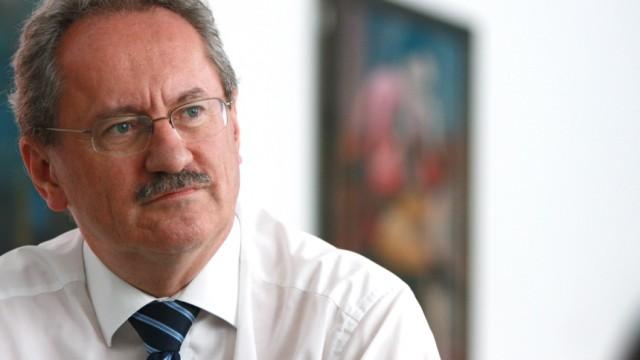 MVG-Streik: Oberbürgermeister Christian Ude verurteilte das Verhalten der Lokführer-Gewerkschaft scharf.