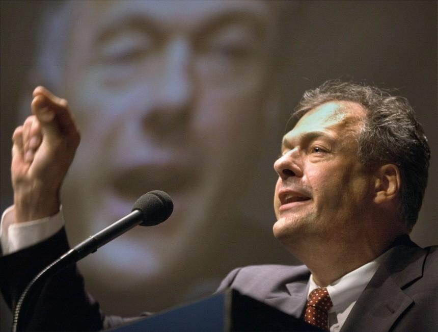 Ronald Schill auf dem Parteitag der PRO in Hamburg, 2002