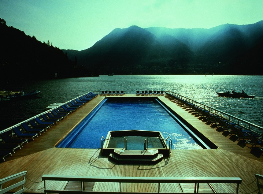 villa d'este, floating swimmingpool