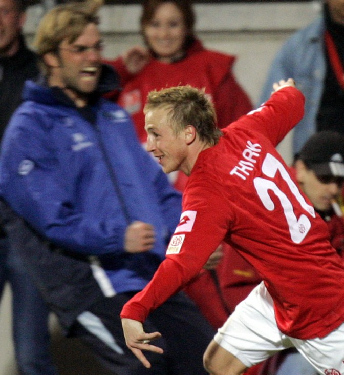 Mainz's Thurk celebrates his goal during German Bundesliga soccer match against Schalke in Mainz