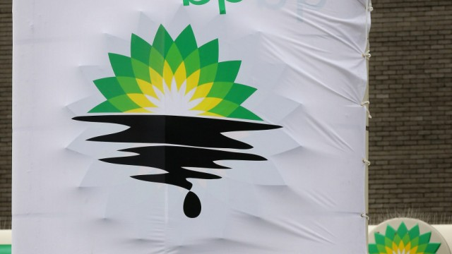 Greenpeace Close BP Petrol Stations In Oil Spill Protests