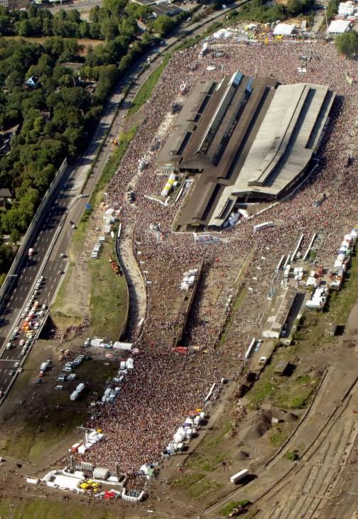 Mindestens 15 Tote bei Massenpanik auf Loveparade